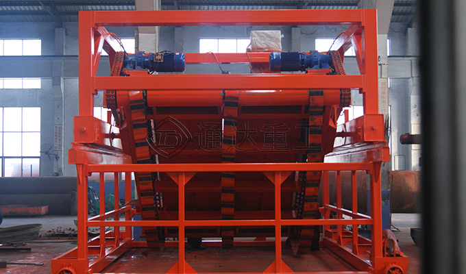 有机肥链板式翻堆机工作方案
