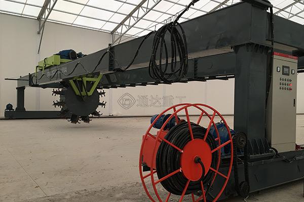 厂家定制跨度18米的槽式叶轮翻堆机